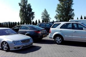 Odzyskane samochody na parkingu