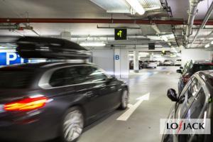Kradzież samochodu na parkingu